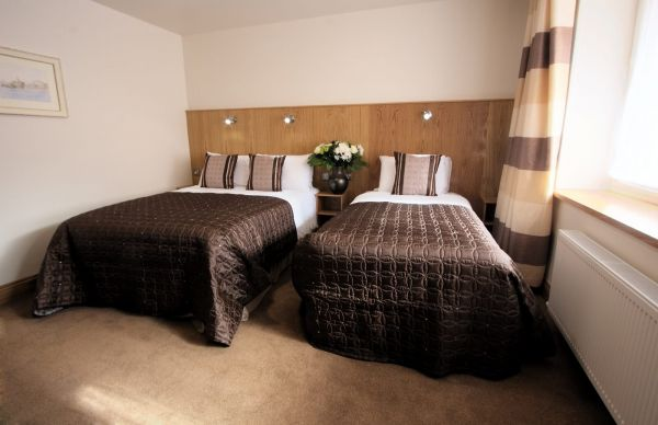 Blooms Hotel - Double Single Room